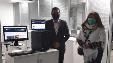 Egresados del ITU donaron equipos informáticos