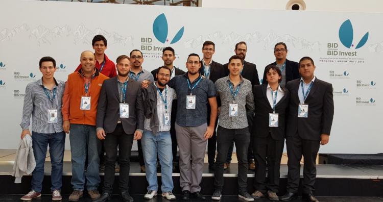 Estudiantes del ITU brindaron soporte  técnico en la cumbre del BID