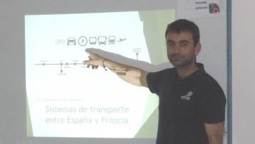 Profesor francés dictó una clase especial a estudiantes de Logística