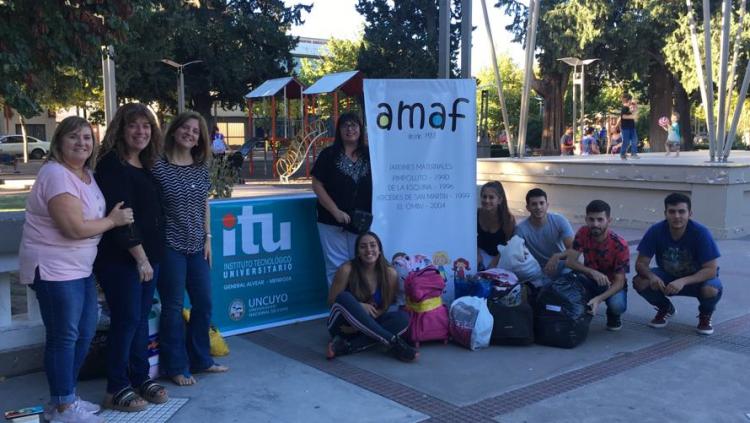 Estudiantes del ITU Alvear realizaron colecta solidaria