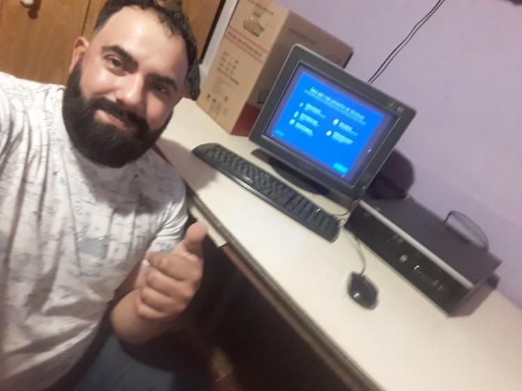 Educación virtual: estudiantes del ITU recibieron una PC
