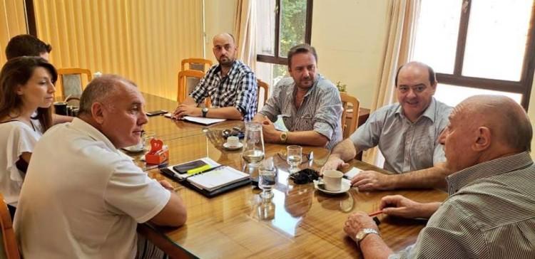 Representantes de la Sede Este mantuvieron reunión de trabajo en la Municipalidad de Rivadavia