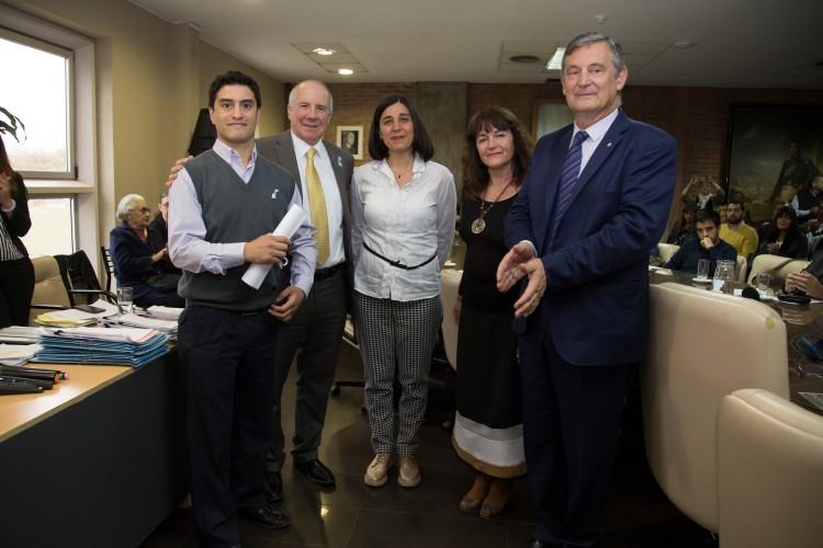 Estudiante del ITU recibió el premio María Elisa Norton Farmache