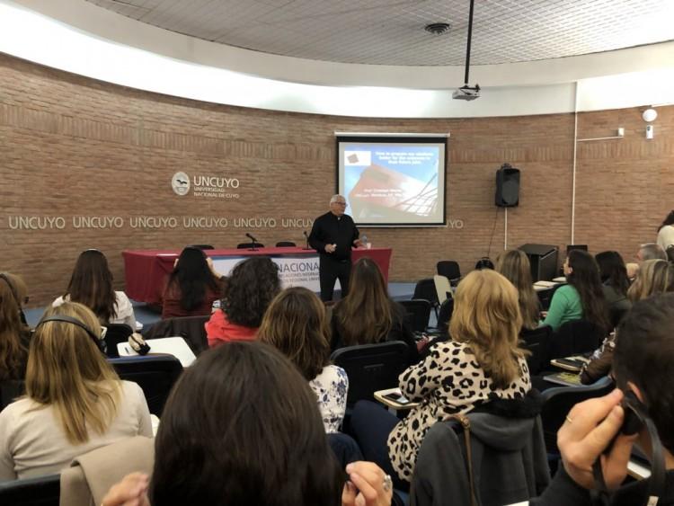 Se capacitó a docentes de la UNCuyo sobre innovación educativa
