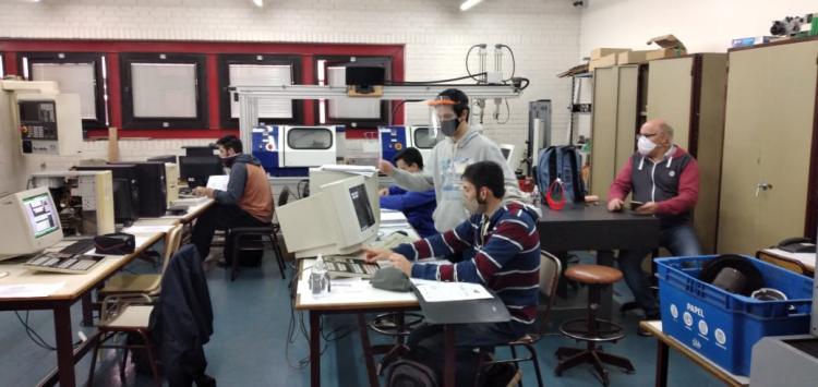 Reiniciaron las clases en los laboratorios