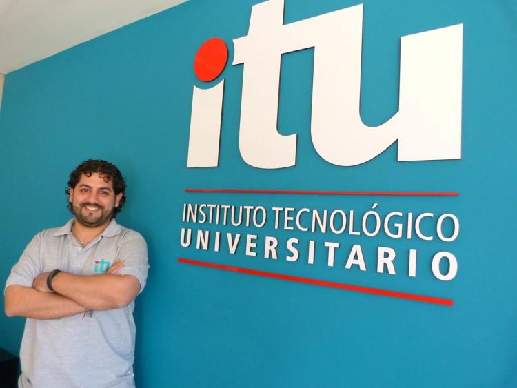 """Alfio Canal: """"El desafío de seguir aprendiendo con y para el ITU"""""""