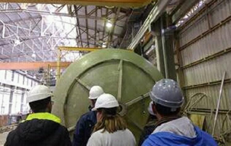 Estudiantes de Sede Este visitaron la fábrica multinacional Petroplast